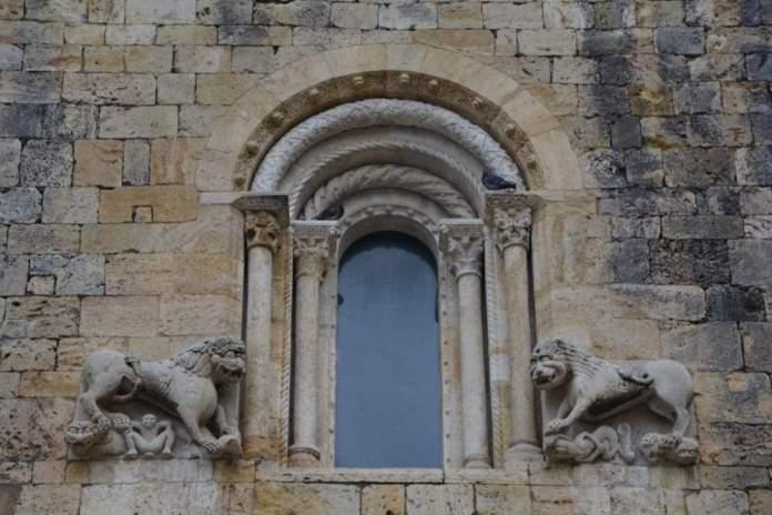 finestra monestir sant pere