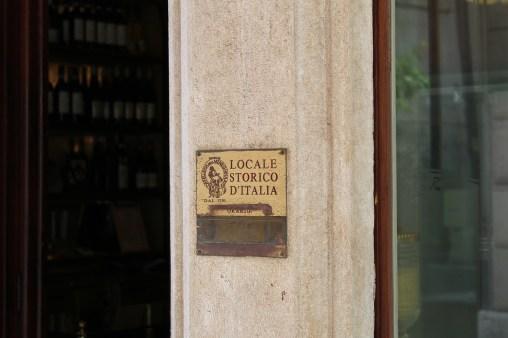 La Meneghina è l'unico locale del centro storico di Vicenza ad essere iscritto all'Associazione Locali Storici d'Italia