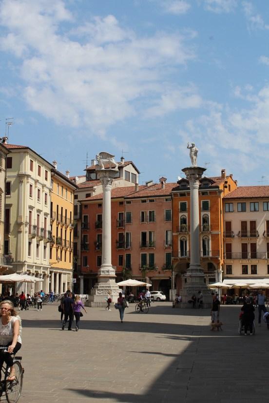 Piazza dei Signori angolo Piazza delle Biade
