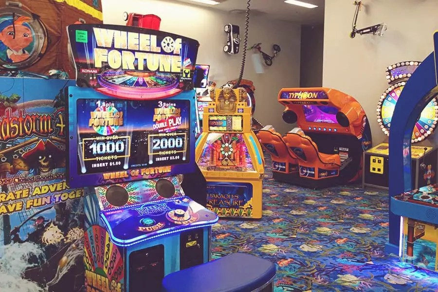 Gallery of Arcade Games at Pietros Pizza