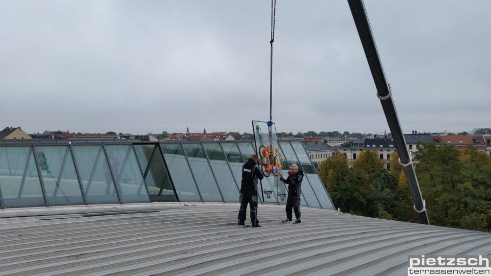 Reparaturverglasung, Austausch eines Fassadenglases, Glaserei, Wintergarten, Terrassenüberdachung