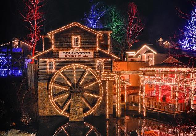 Dollywoods Smoky Mountain Christmas