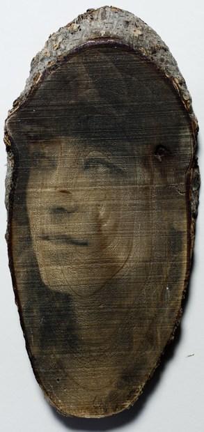 Gelatina all'argento su legno
