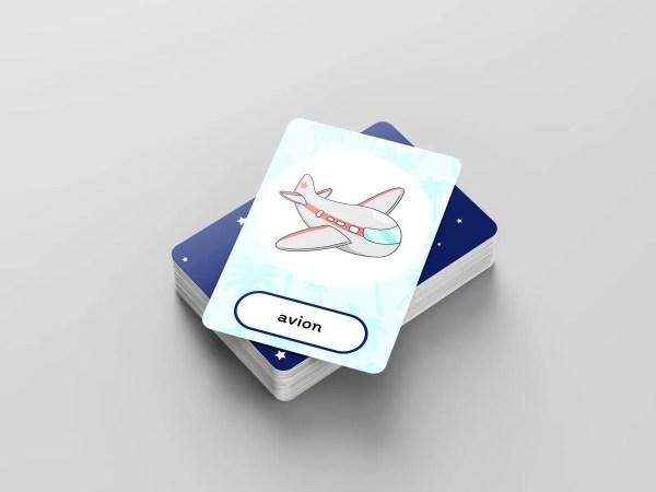 Pak speelkaarten met de afbeelding van een vliegtuig