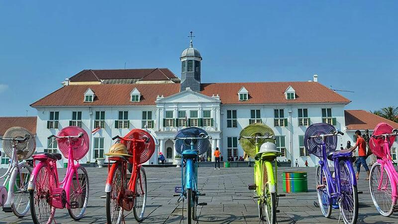 Kawasan Wisata Kota Tua Jakarta yang Penuh Sejarah  Pikniek