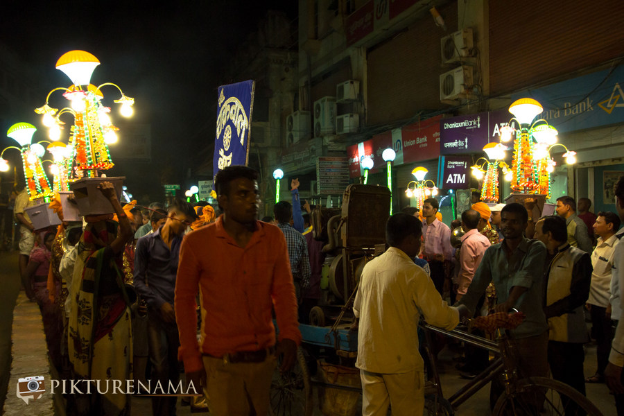 Power Source of Varanasi Wedding by Pikturenama