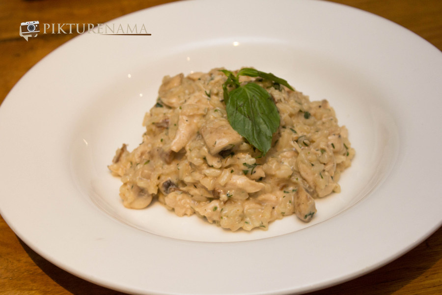 Risotto con funghi ragu and pollo at Tuscany Food festival at Afraa Kolkata