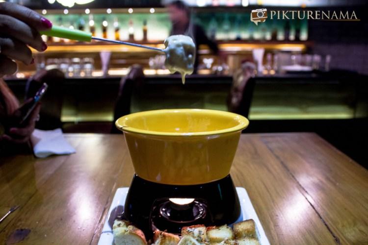 Wall Street Bar Kolkata fondue