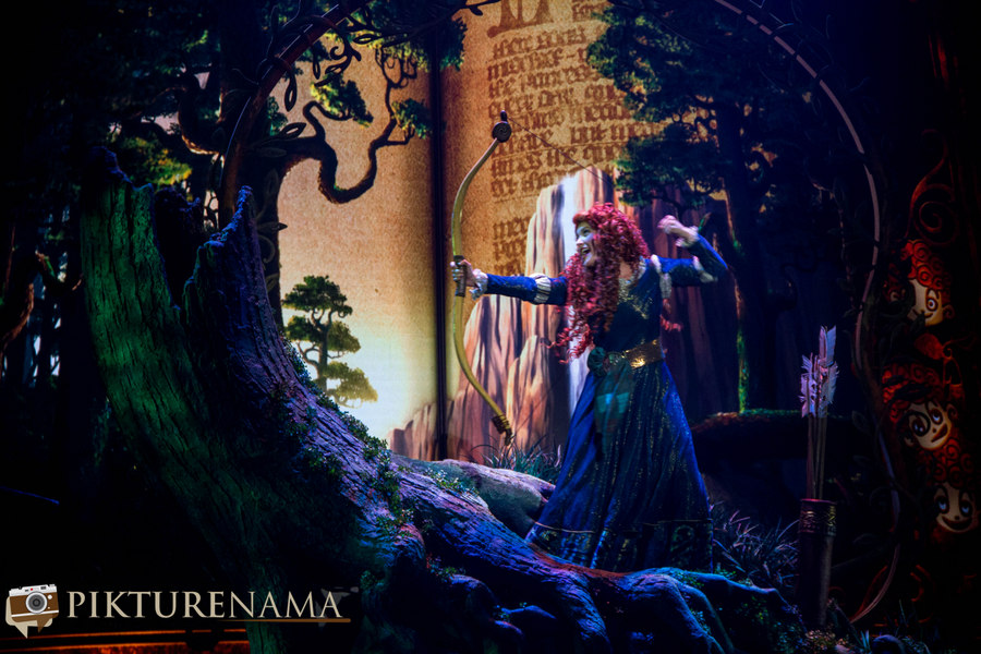 Mickey and the wondrous book princess Merdia