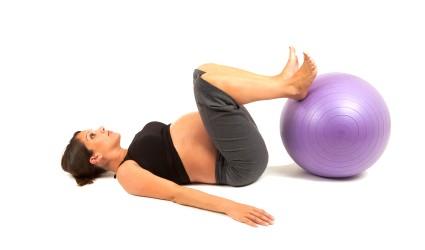 Ejercicio de suelo de pilates para embarazadas