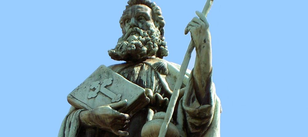 Jakobusfigur am Jakobsbrunnen in Rorschach