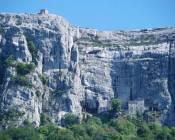 Grotte und Pilon