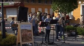 Májusfaállítás Pilisvörösváron