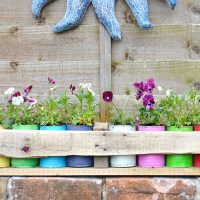 Easy to make colourful tin can planters