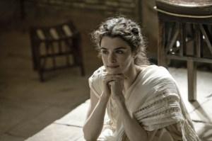 Rechel Weisz interpreta a Hipatia en la película Ágora