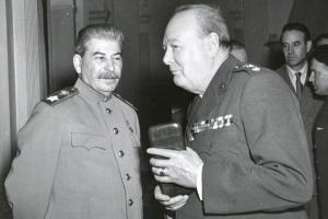 Stalin e Churchill. Lo statista inglese pensò di usare il nucleare contro il Cremlino per annientare Stalin