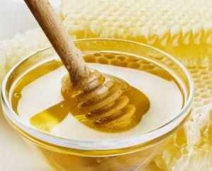 La miel se abandona por completo la base de la receta antigua de deliciosos panqueques