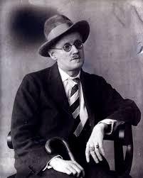 O escritor irlandês James Joyce