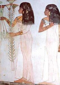 """Antiche Egiziane. Le Egiziane, nei giorni del ciclo mestruale, usavano foglie di papiro come """"assorbenti"""""""