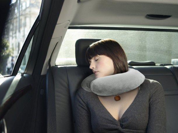 Crafty World Neck Travel Pillow Shape Sleeping