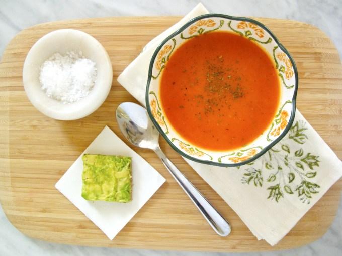 Sopa de tomate y pimiento