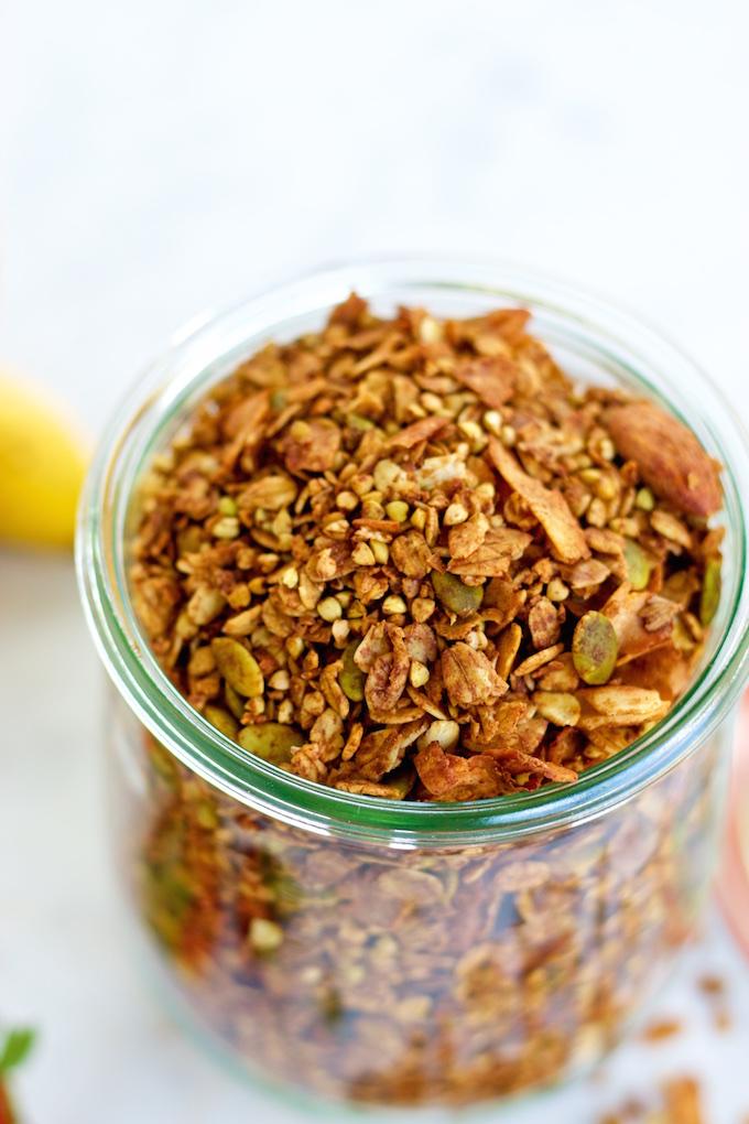 Granola, cocoa, canela y cayena