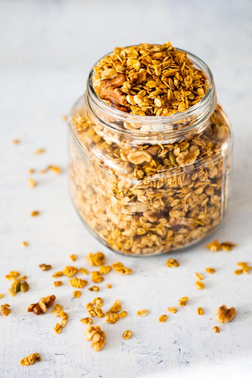 granola en el frasco
