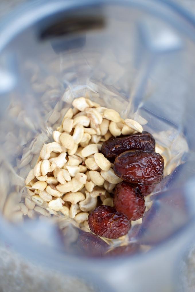 ingredients for cashew milk