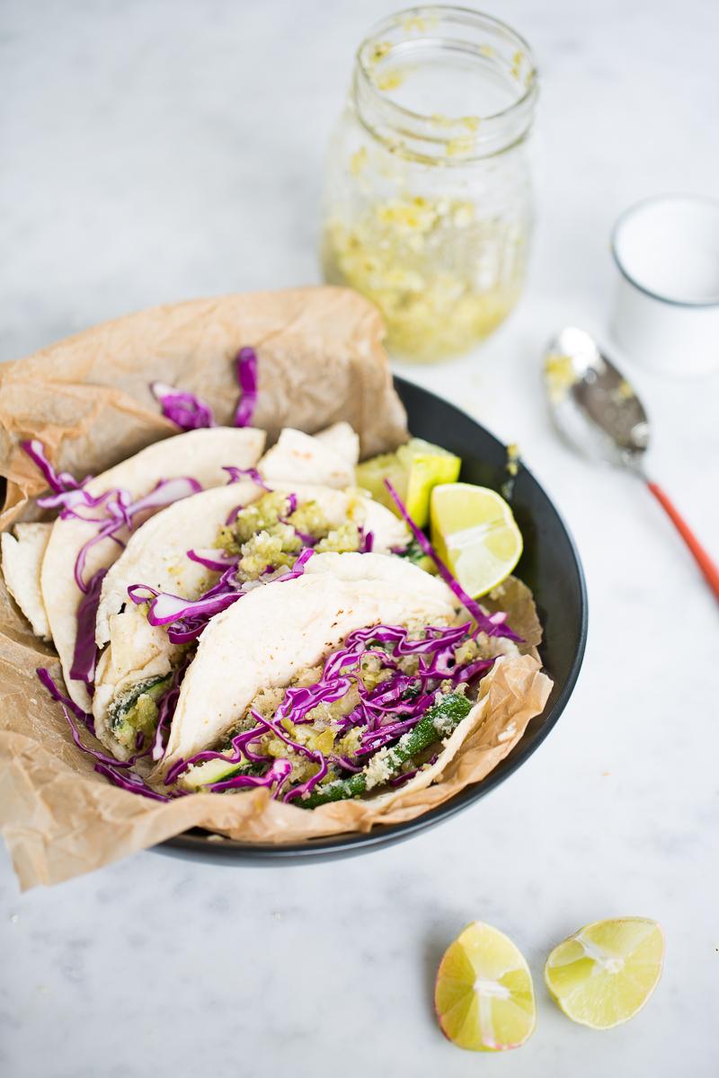 Tacos de calabacita empanizada, tacos vegan.