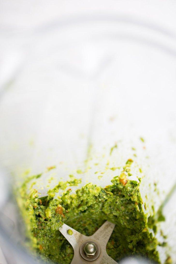 Foto del pesto que use para hacer la ensalada de papa.