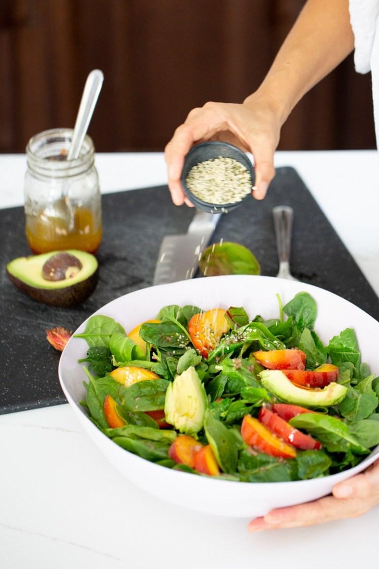 ensalada de verano con duraznos