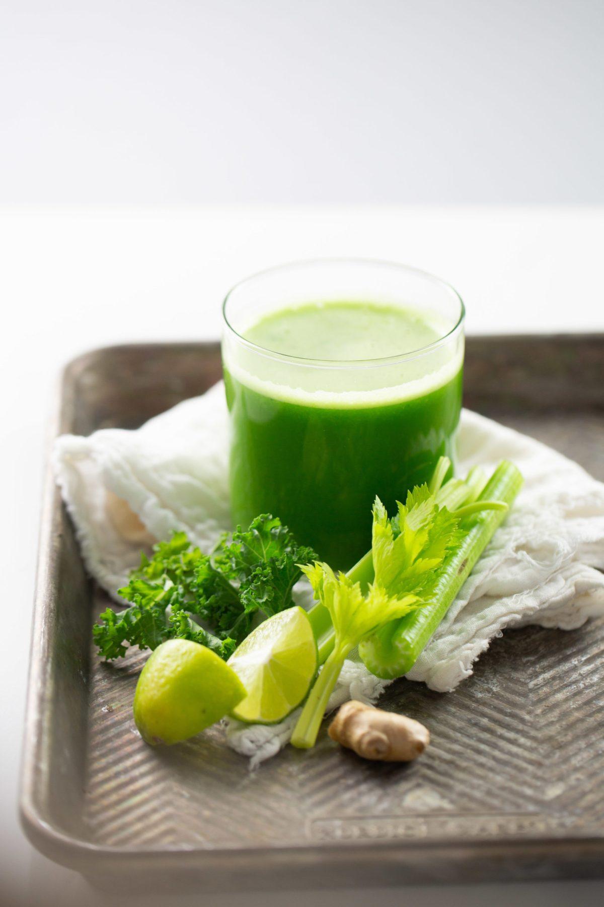 jugo verde fácil hecho en casa