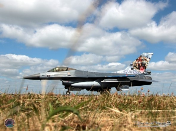Nederlandse F-16 van het 313 Squadron te Volkel met Special Tail.