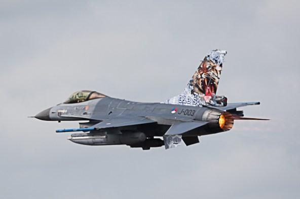 F-16_NL_J-003_F-16AM_313Sqdn_Schleswig-Jagel_2014-06-23_3X2G2356PV