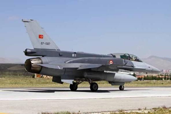 IMG_4406_Remco_Boudewijn Melvin Jansen_TurkAF_F-16D_07-1027