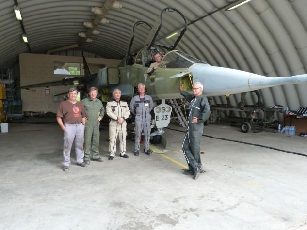 Une partie de l'équipe de vaillants qui a travaillé sur le E23