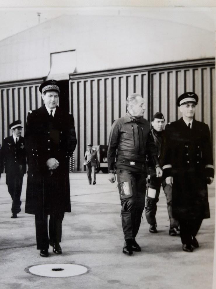 Le général Bigeard avec le colonel Ghesquière