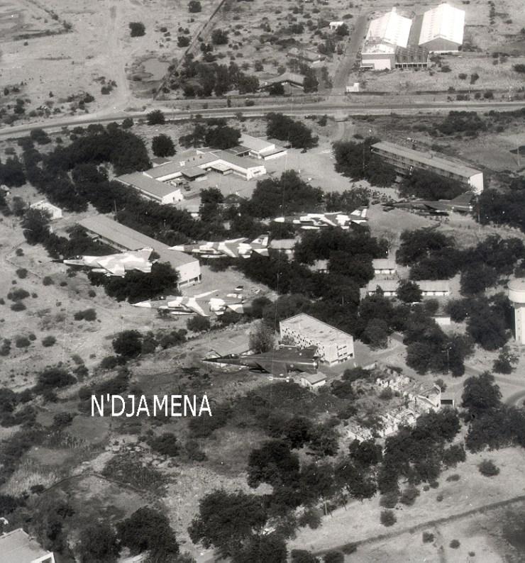 N'Djamena. La zone vie : les mess et le LC0