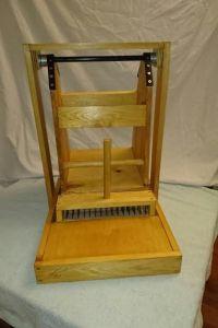 swinging-wool-picker-7