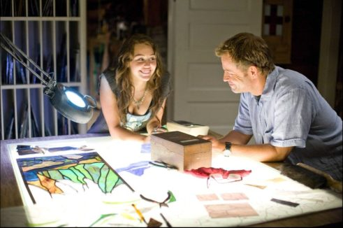 Miley Cyrus and Greg Kinnear in THE LAST SONG.