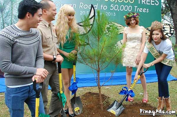 Green Road's 30,000th tree marked by a simple ceremony participated in by special guests Stephany Stefanowitz (Ms. Earth Philippines 2012 runner-up), singer Sam Concepcion, and celebrity sisters Alodia and Ashley Gosiengfiao