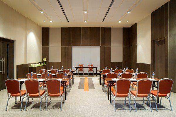 Meeting Rooms (2)