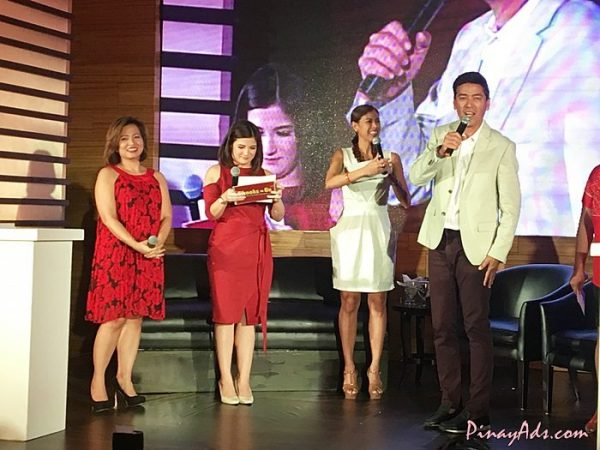 Chooks-to-Go newest brand endorser, Vic Sotto, with Moms-on-the-Go Delamar Arias, Camille Prats, and Suzie Entrata-Abrera