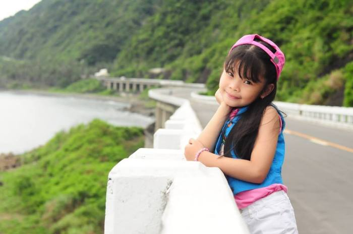 Ate Keisha (Sam's cousin) at the Patapat Bridge