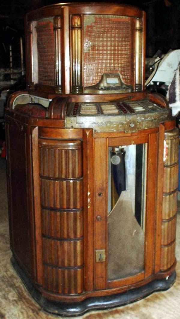 Seeburg Hitone Symphonola Model 8200 Jukebox Of 1942 At