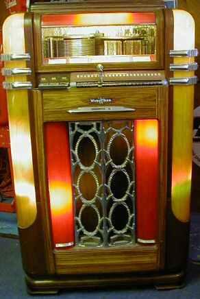 Wurlitzer Model 500 Jukebox of 1939 at wwwpinballrebelcom