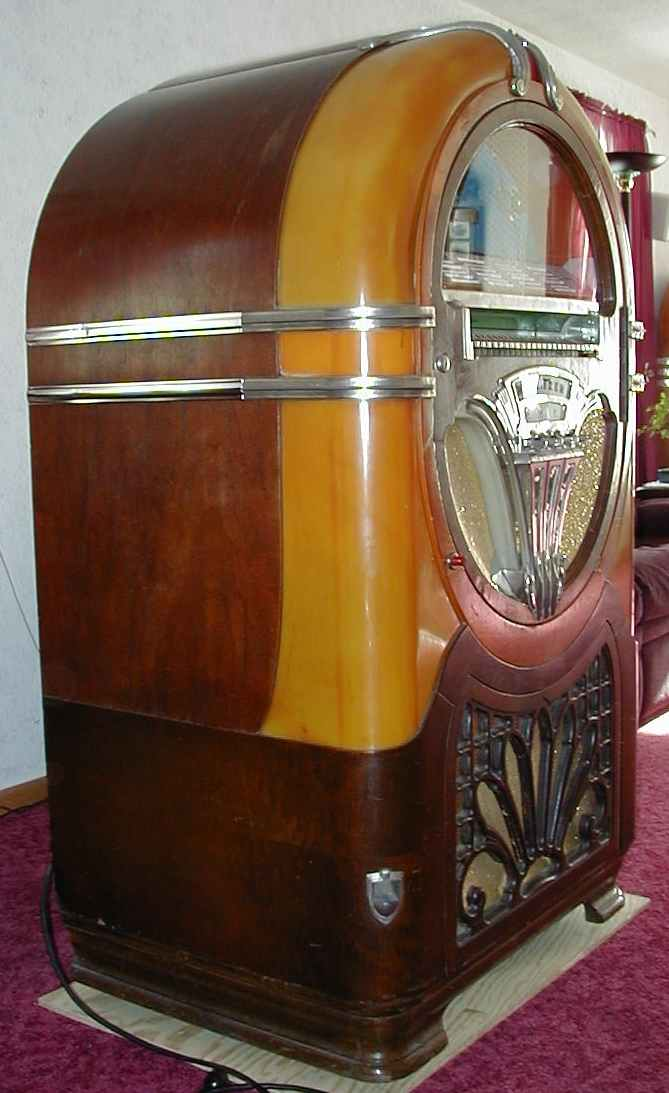 Wurlitzer Model 750 E Jukebox of 1941 at wwwpinballrebelcom