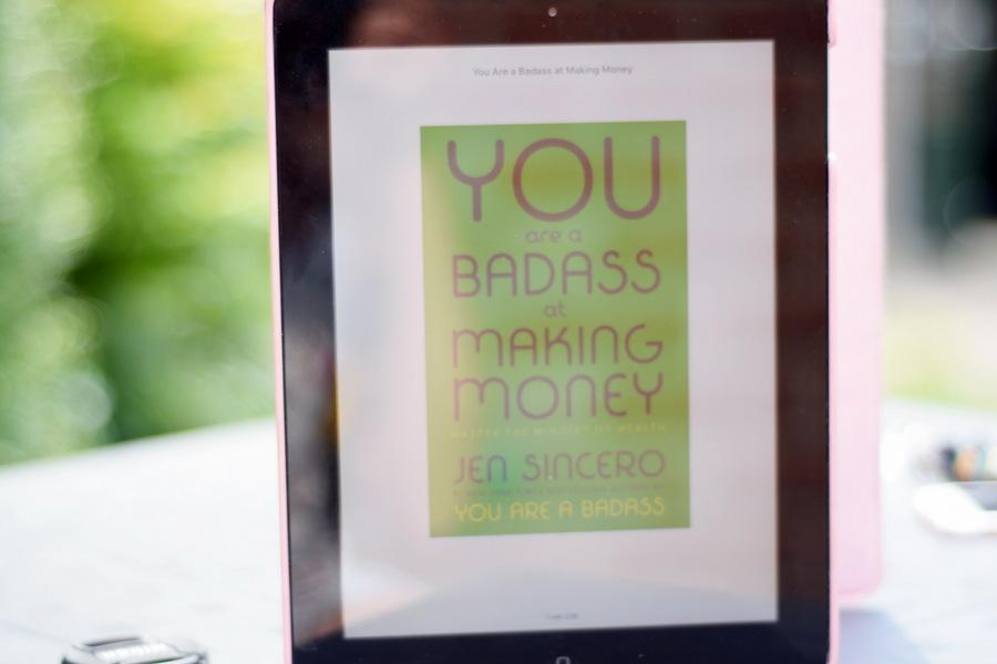 Belemmerende gedachten over geld & waarom we die moeten loslaten