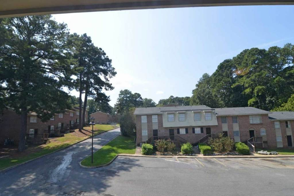 Pine Ridge Apartments In Macon Ga Quiet Living Minutes To Downtown
