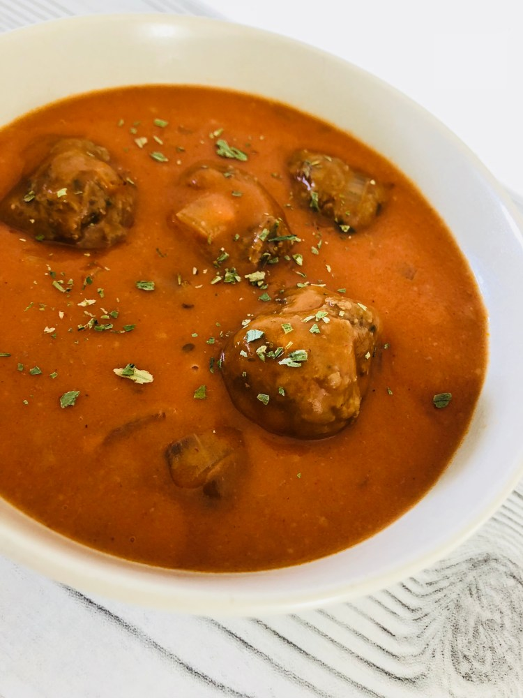 Recept gehaktballetjes in tomatensaus maken - lekkere balletjes in tomatensaus recept van PinGetest